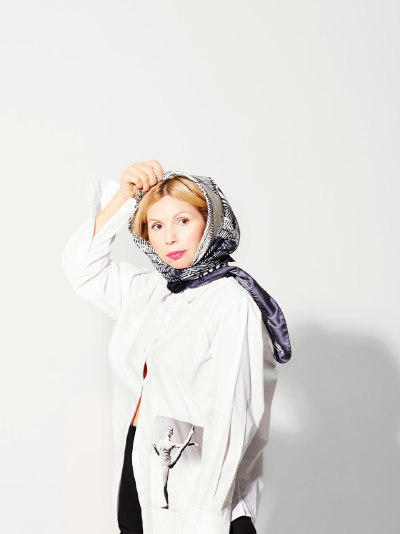 1-awol-lookbook-dreamer-collection-how-to-wear-a-luxury-silk-headscarf