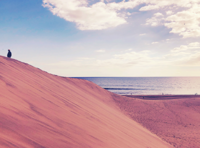 14-awol-lookbook-spain-travel-collection-sand-dunes-seaside-landscape